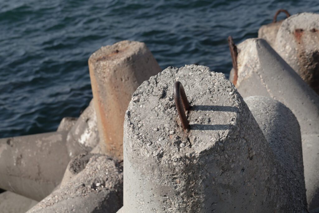 cementblock i hamn